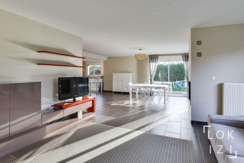 location maison meubl e 160m lille marcq en baroeul par lokizi. Black Bedroom Furniture Sets. Home Design Ideas