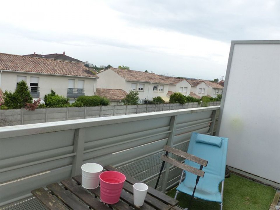 Location studio 24m² <br>(Bordeaux-Bègles)
