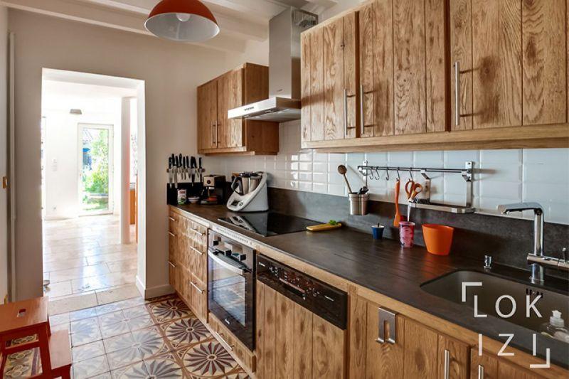 location maison meubl e 130m bordeaux bastide par lokizi. Black Bedroom Furniture Sets. Home Design Ideas