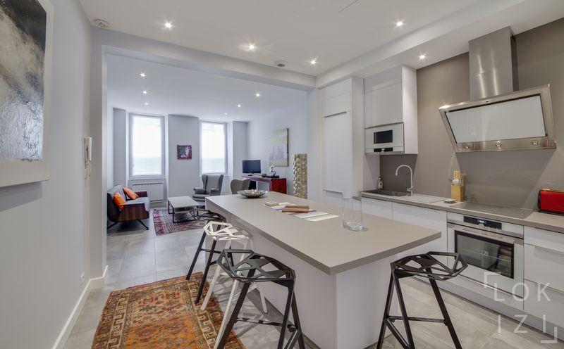 location appartement meubl 3 pi ces 94m par lokizi. Black Bedroom Furniture Sets. Home Design Ideas